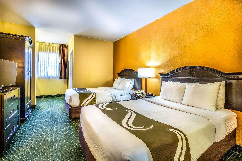 Suite - Quality Inn & Suites Universal Studios Orlando