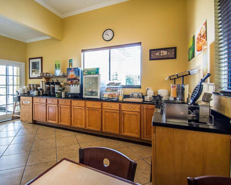 Restaurant - Quality Inn & Suites Mt Dora
