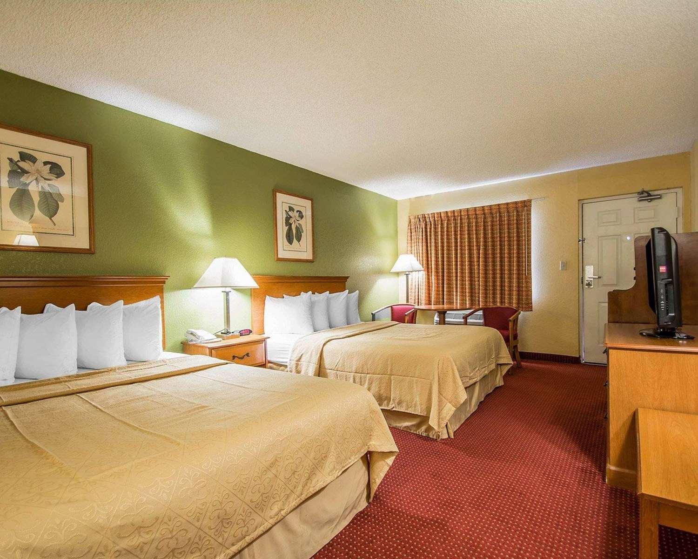 Room - Quality Inn & Suites Mt Dora