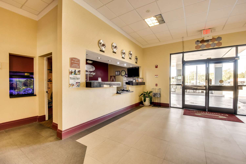 Lobby - Econo Lodge Busch Gardens Tampa