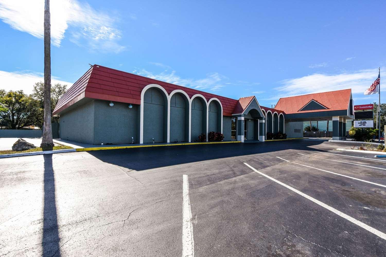 Exterior view - Econo Lodge Busch Gardens Tampa