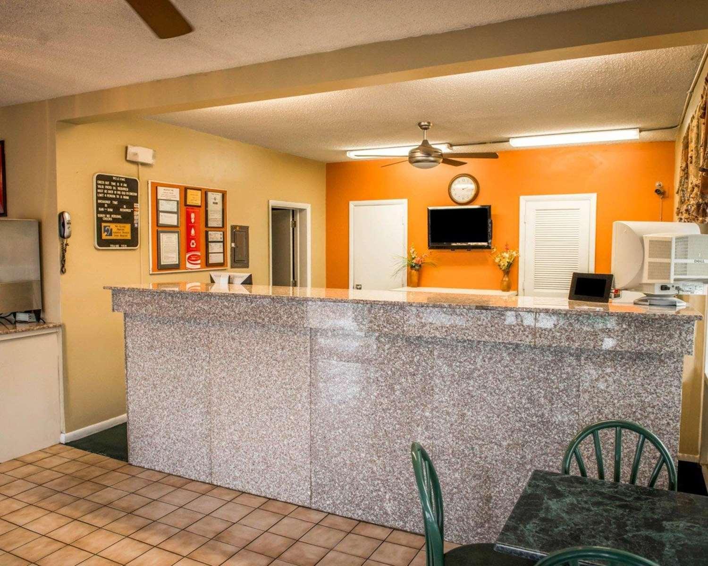 Lobby - Econo Lodge North Lake City