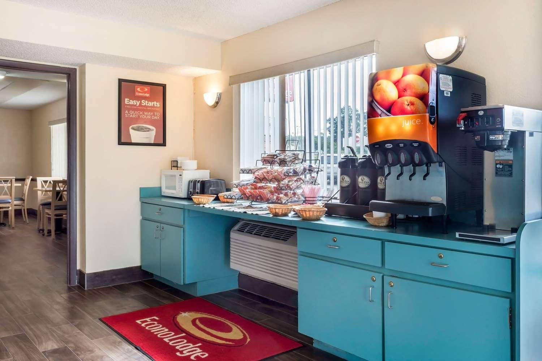 Restaurant - Econo Lodge Live Oak