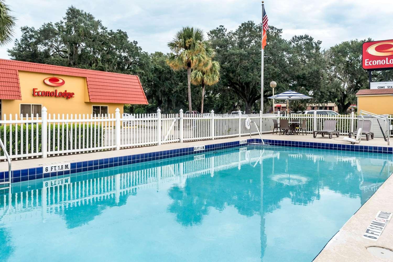 Pool - Econo Lodge Live Oak