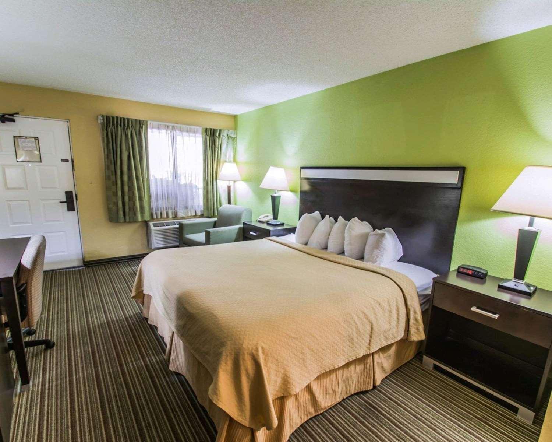 Room - Quality Inn University Gainesville