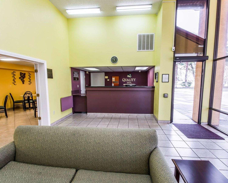 Lobby - Quality Inn University Gainesville