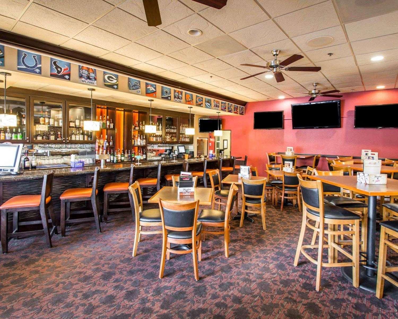Bar - Clarion Inn Lake Buena Vista