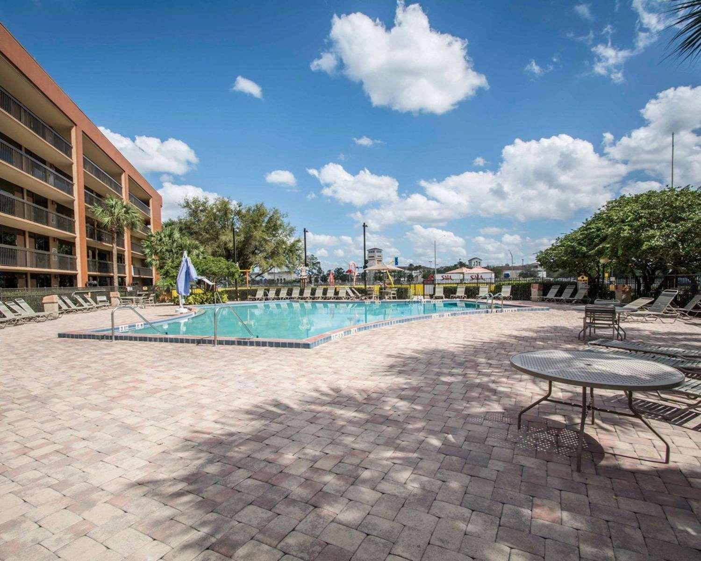 Pool - Clarion Inn Lake Buena Vista