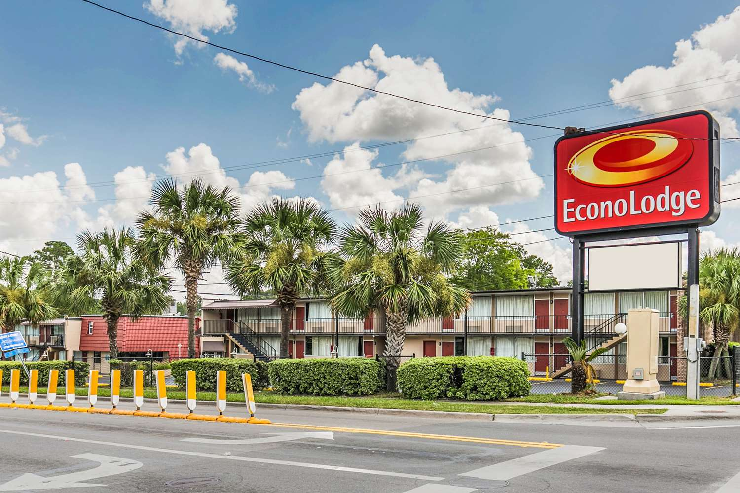 Exterior view - Econo Lodge North Tallahassee