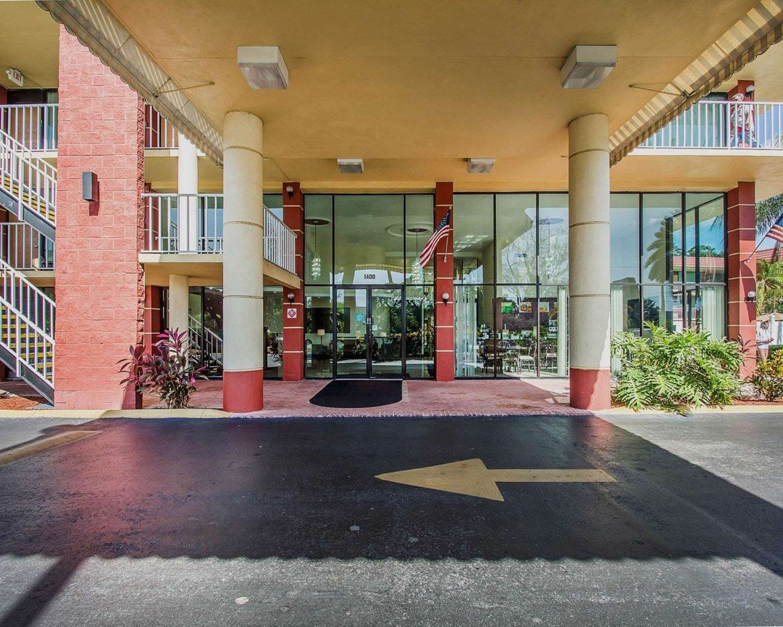 Exterior view - Quality Inn & Suites Kenwood St Petersburg