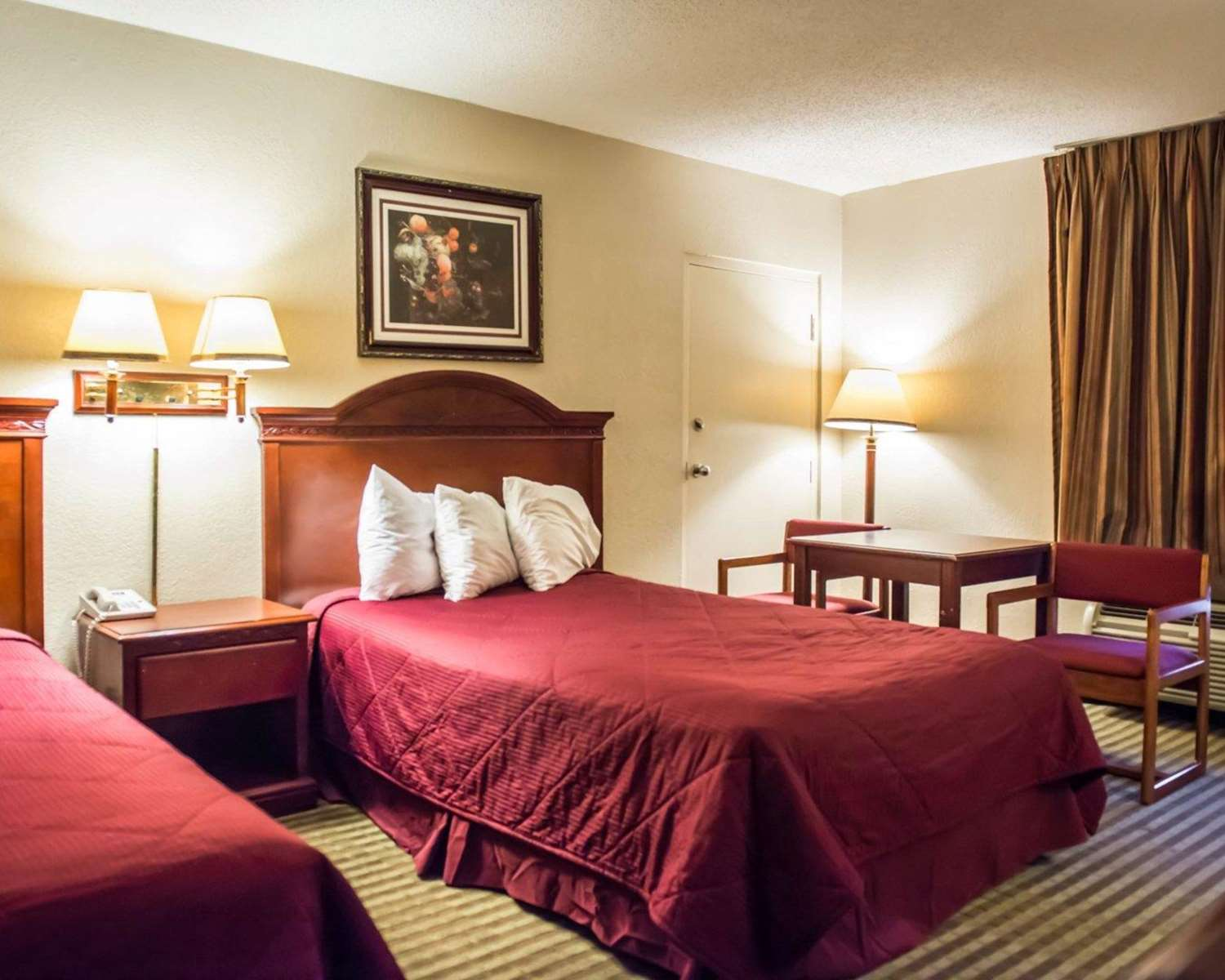 Suite - Econo Lodge Panama City