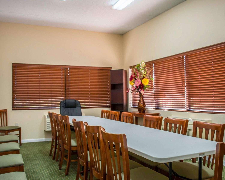 Meeting Facilities - Quality Inn Weeki Wachee
