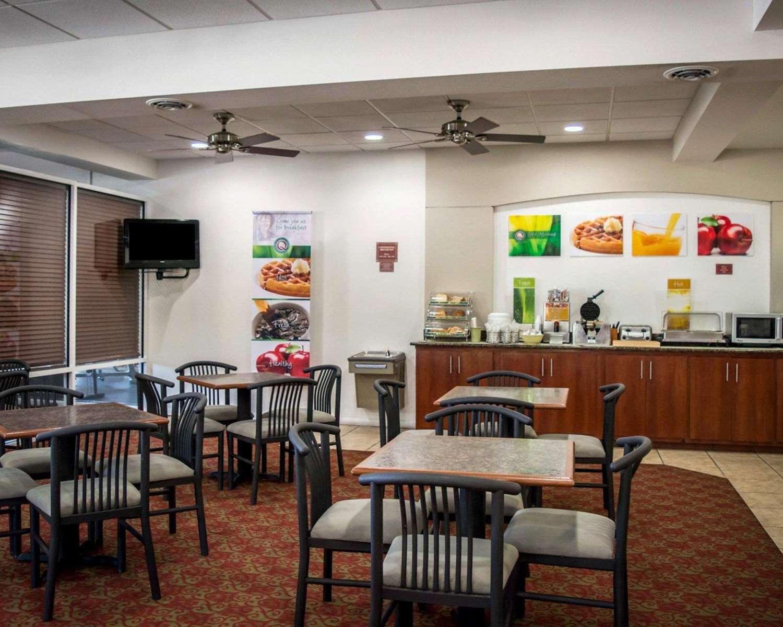 Restaurant - Quality Inn Weeki Wachee