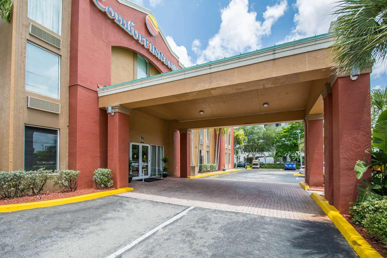 Comfort Inn & Suites Tamarac, FL - See Discounts
