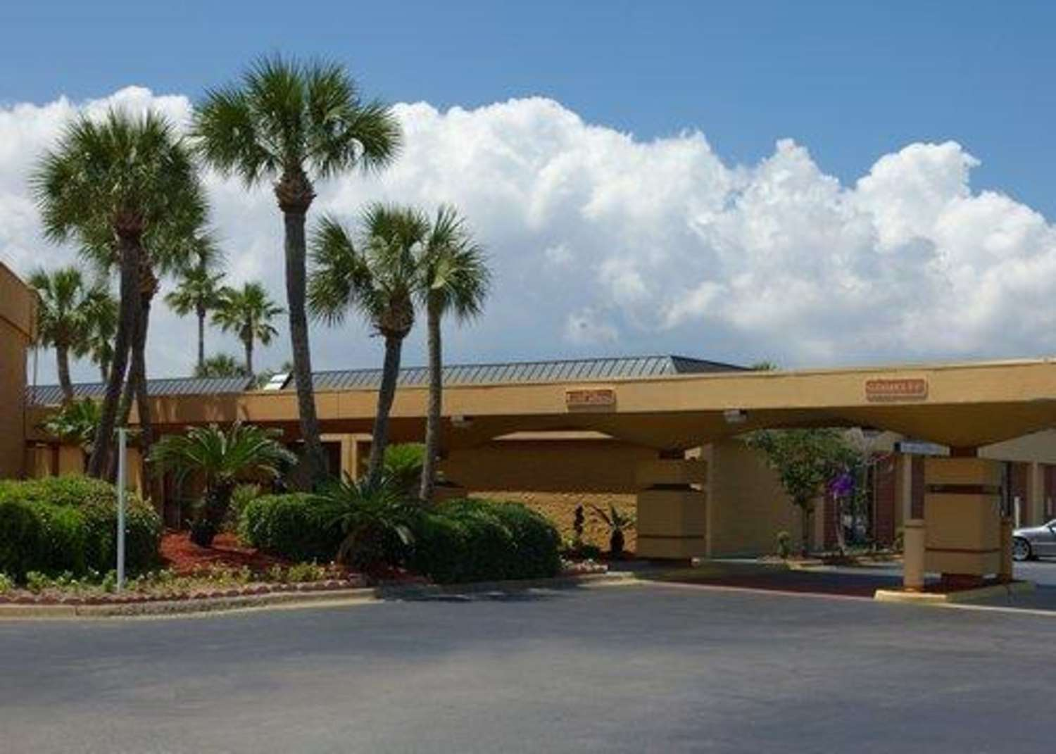 Exterior view - Quality Inn & Suites Gulf Breeze