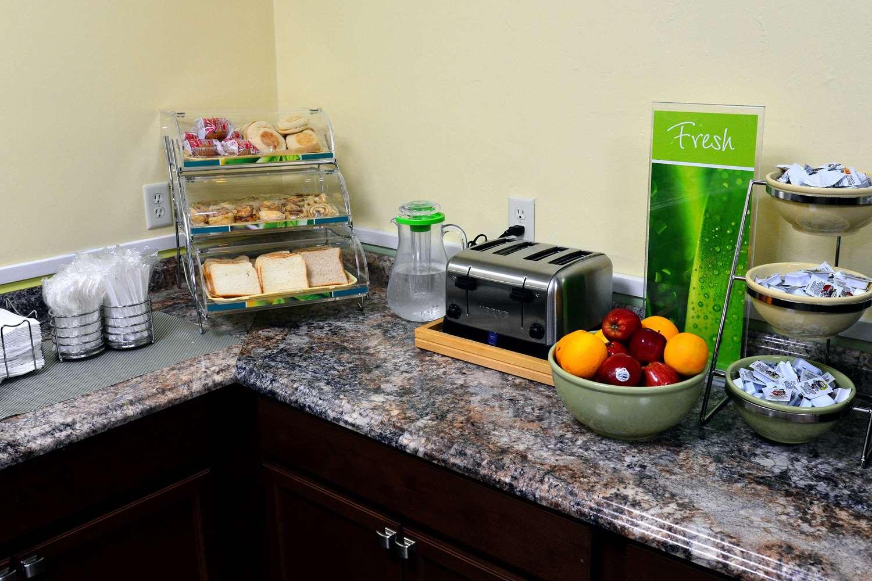 Restaurant - Quality Inn & Suites Gulf Breeze