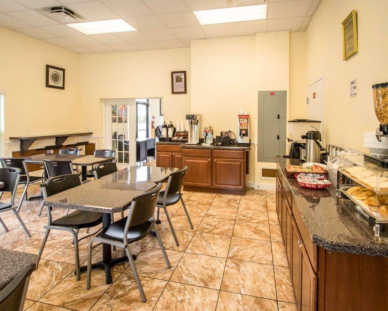 Restaurant - Econo Lodge Kissimmee