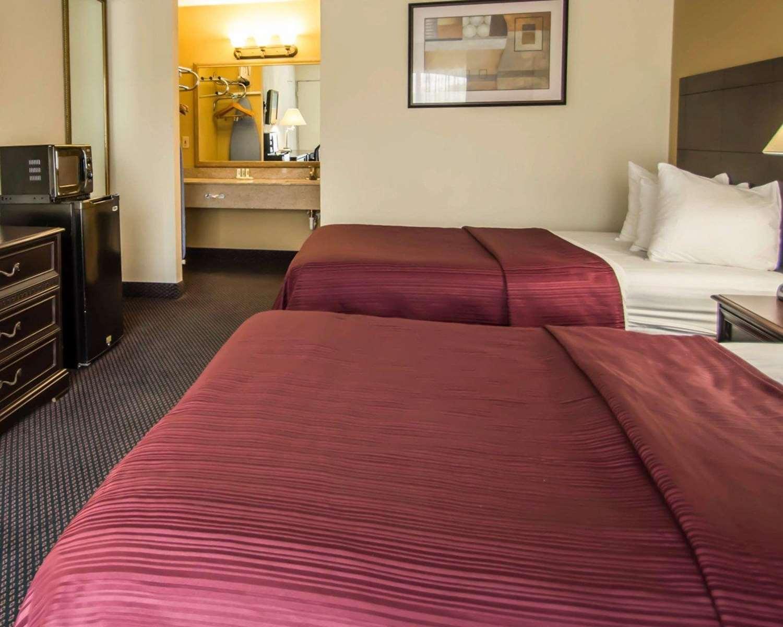 Room - Quality Inn Alachua