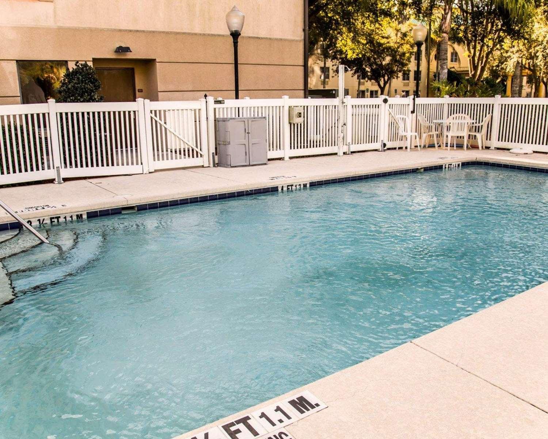 Pool - Sleep Inn & Suites Lakeland