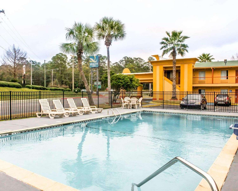 Pool - Quality Inn Tallahassee