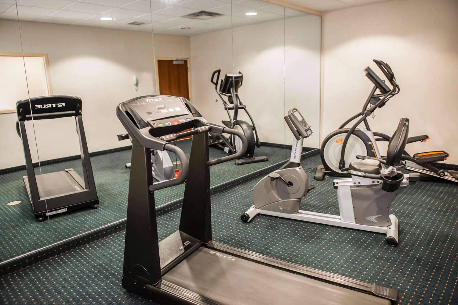 Fitness/ Exercise Room - Comfort Inn & Suites Chipley