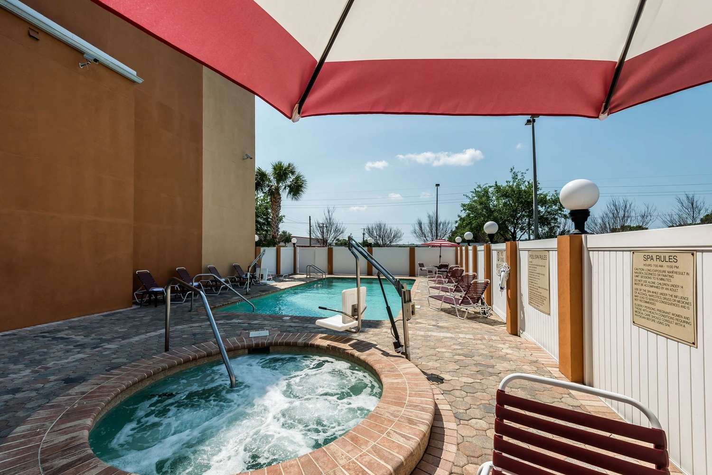 Pool - Comfort Suites Northwest Tampa