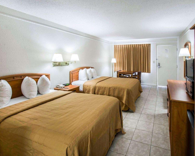 Room - Quality Inn Airport Jacksonville