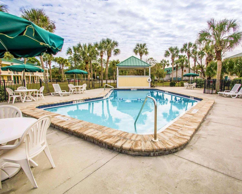 Pool - Quality Inn Airport Jacksonville