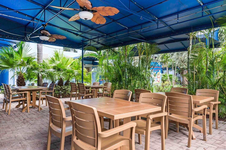 Pool - Rodeway Inn & Suites Fort Lauderdale
