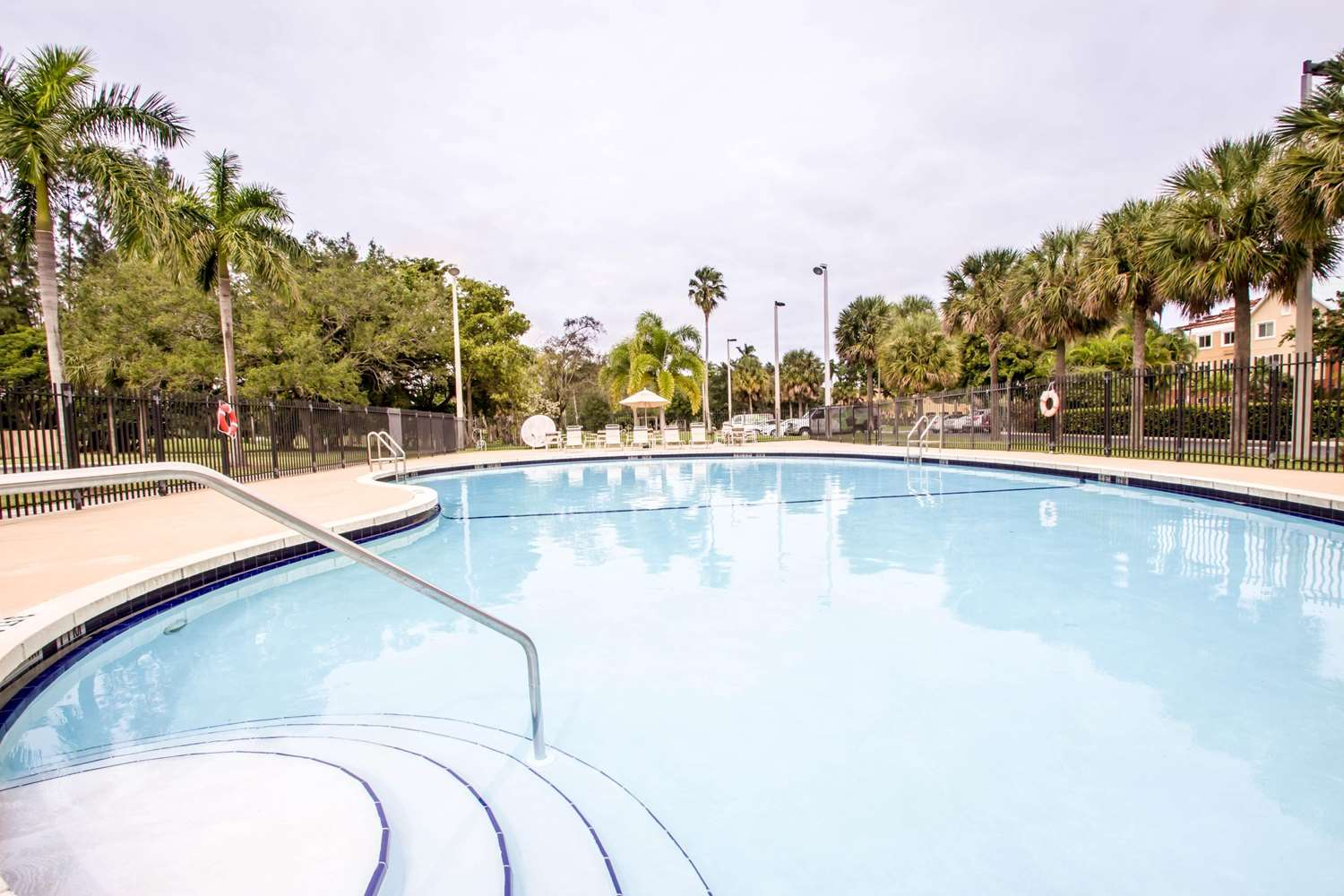 Pool - Sleep Inn Miami Airport Miami Springs