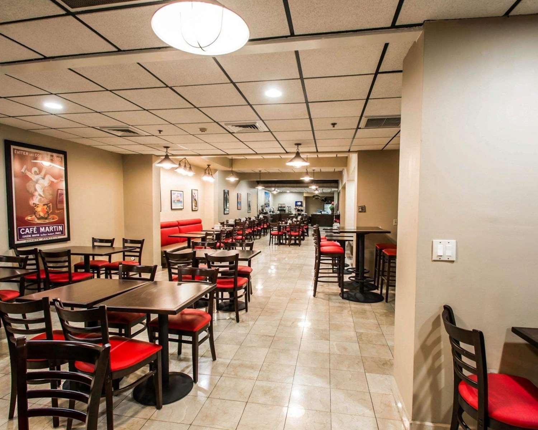 Restaurant - Clarion Inn & Suites Miami Springs