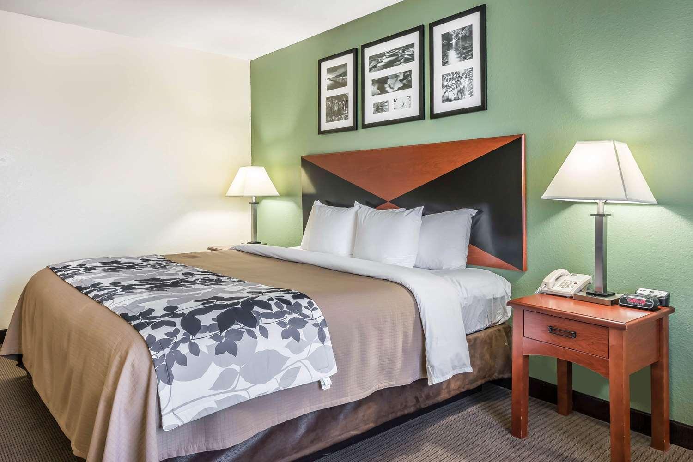 Room - Sleep Inn & Suites Gainesville