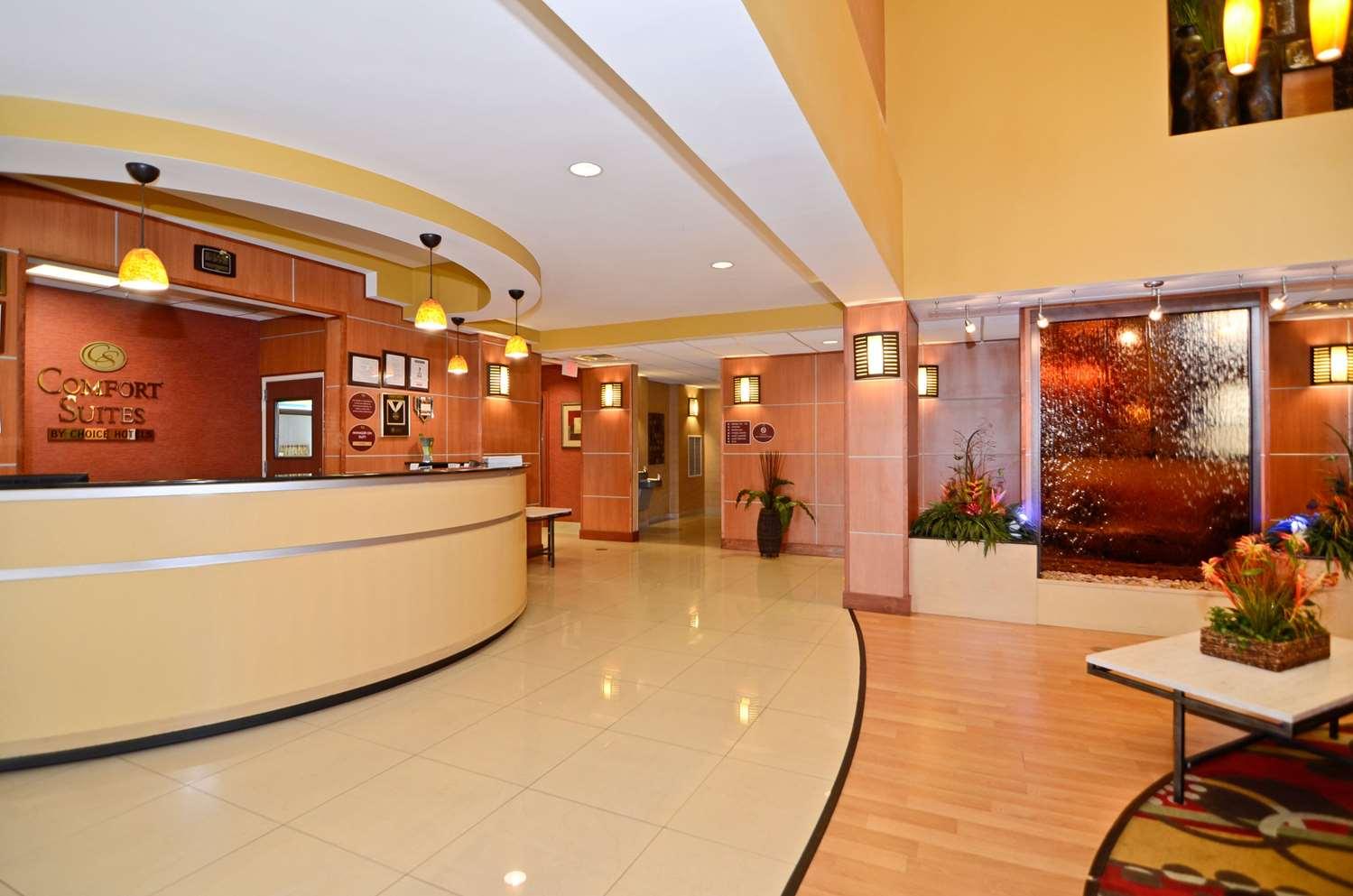 Lobby - Comfort Suites Callaway