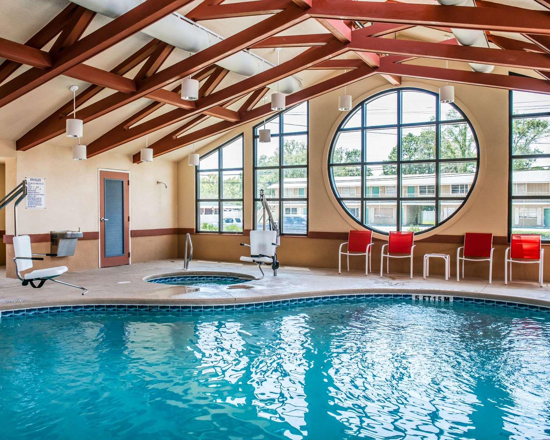 Pool - Comfort Suites Callaway