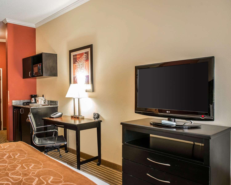 Room - Comfort Suites Callaway