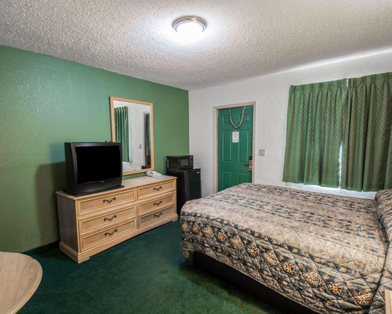 Room - Rodeway Inn Federal Highway Fort Pierce