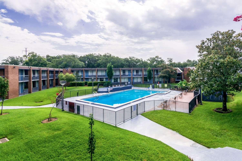 Exterior view - Quality Inn & Suites Airport Pensacola