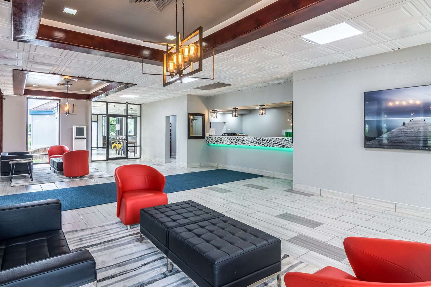 Lobby - Quality Inn & Suites Airport Pensacola