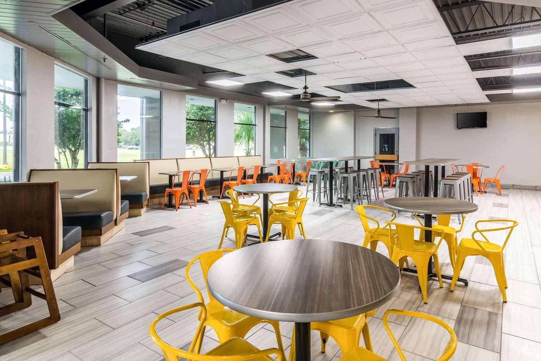Restaurant - Quality Inn & Suites Airport Pensacola