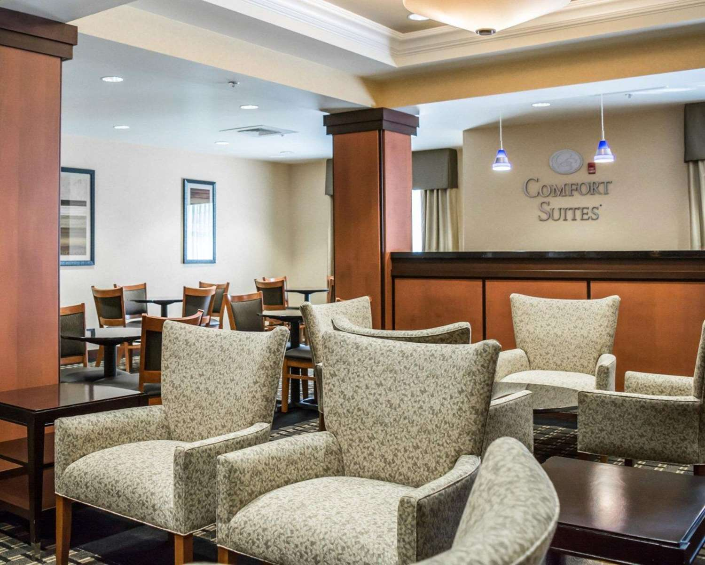 Lobby - Comfort Suites Vero Beach