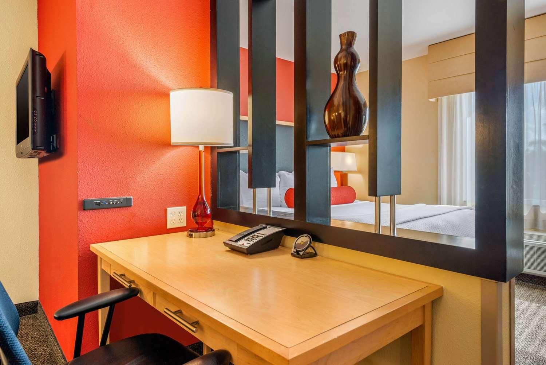 Cambria Hotel Dania Beach Fl See Discounts