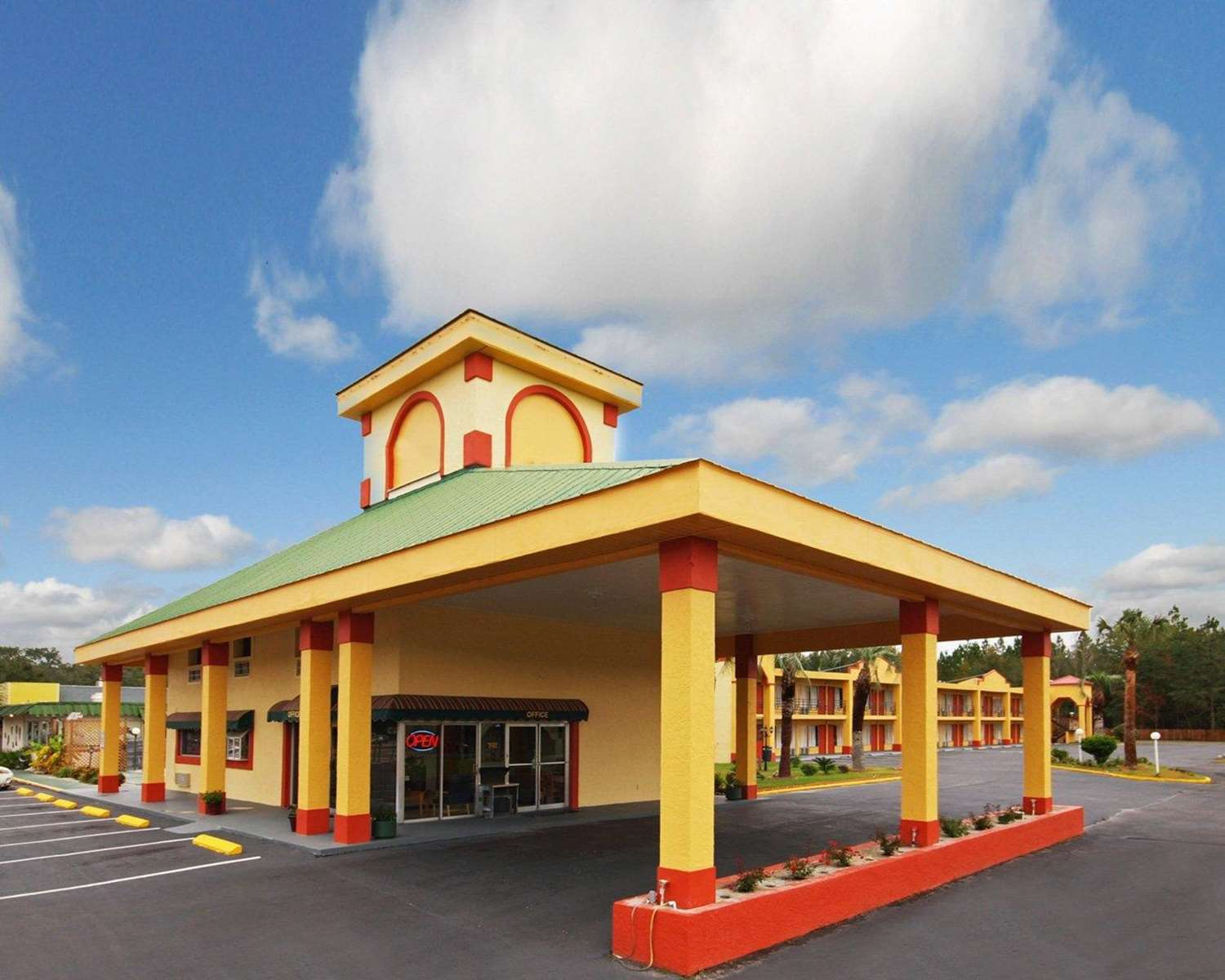 Exterior view - Econo Lodge Perry