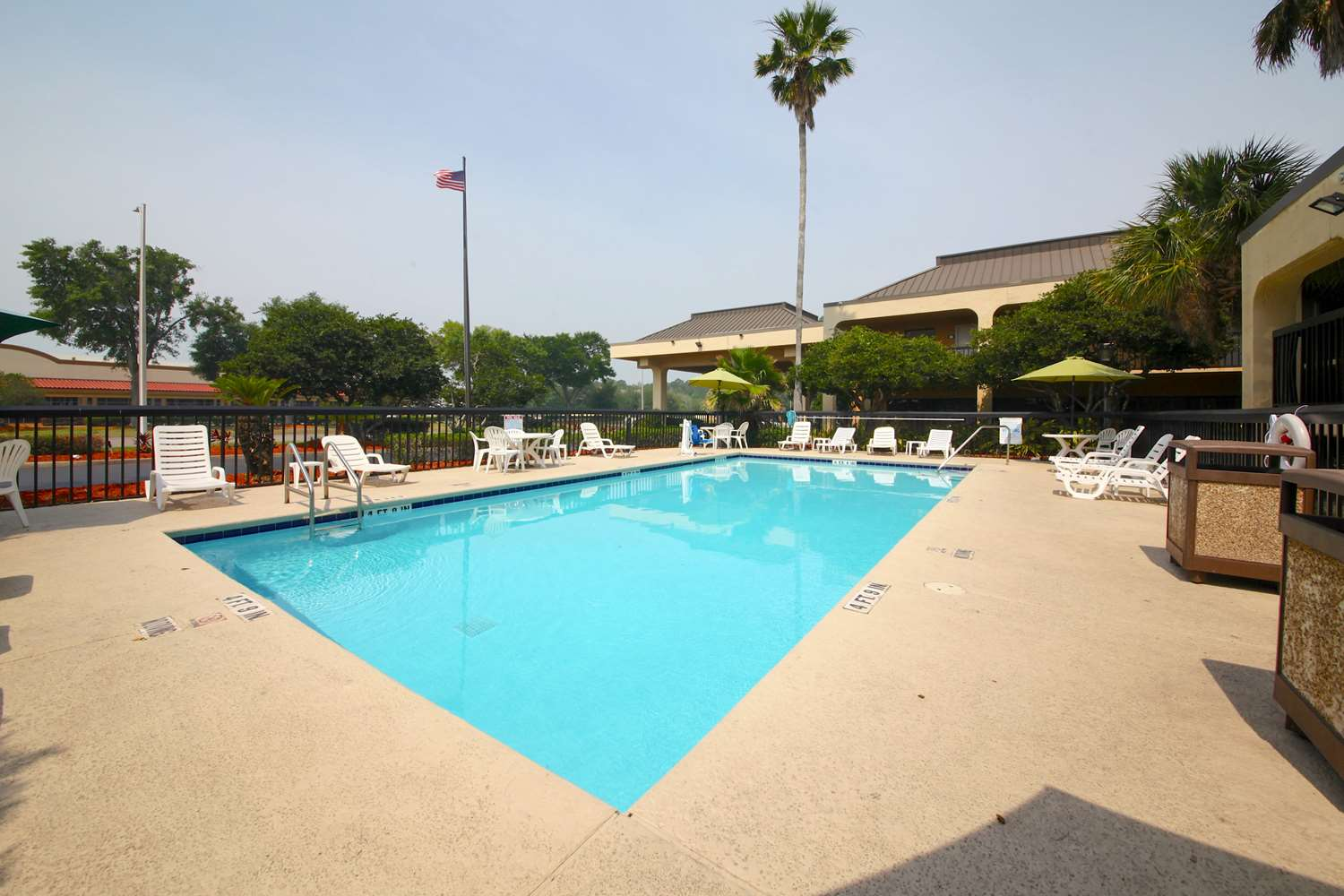 Pool - Quality Inn Orange Park Jacksonville