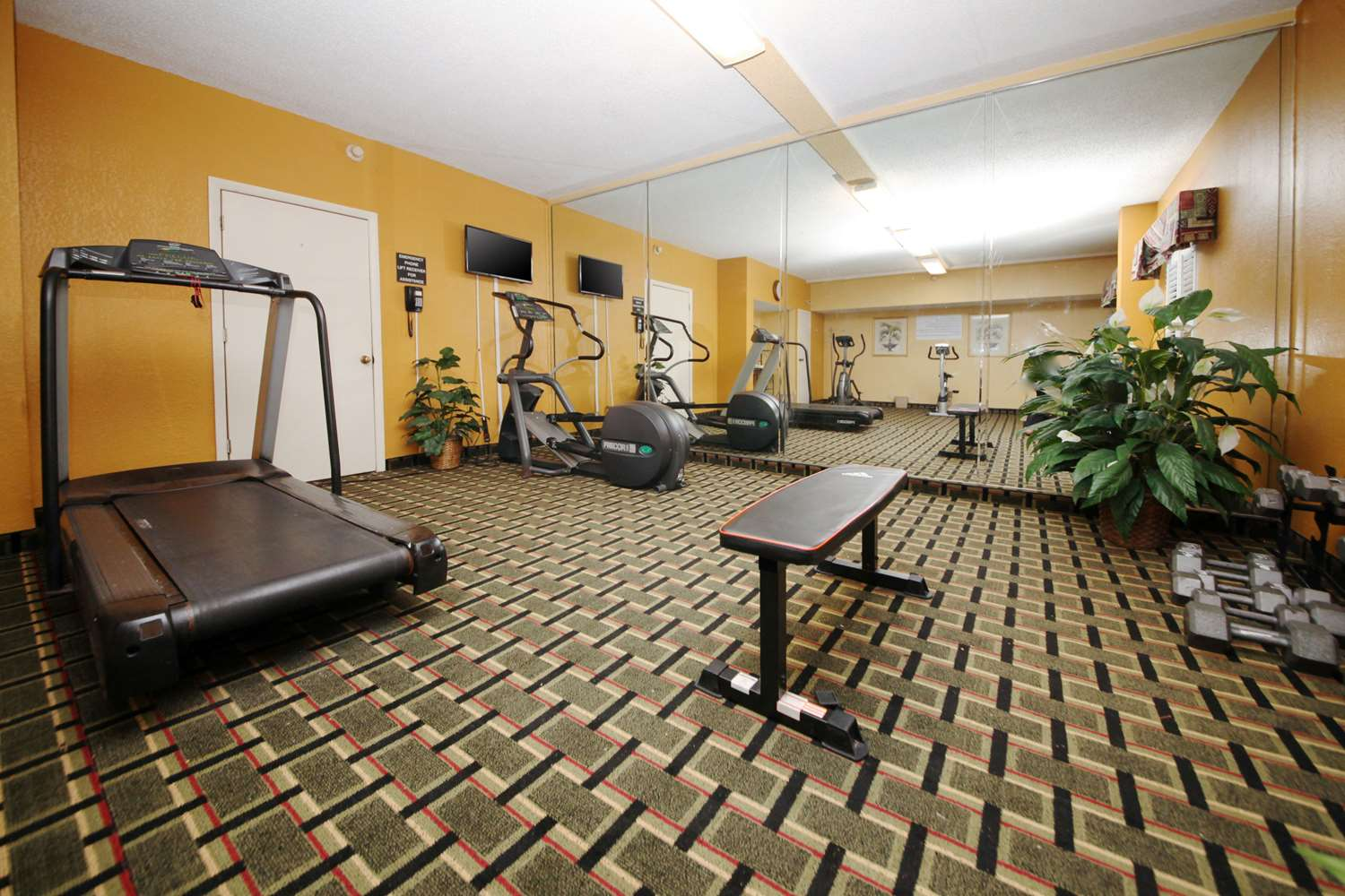 Fitness/ Exercise Room - Quality Inn Orange Park Jacksonville