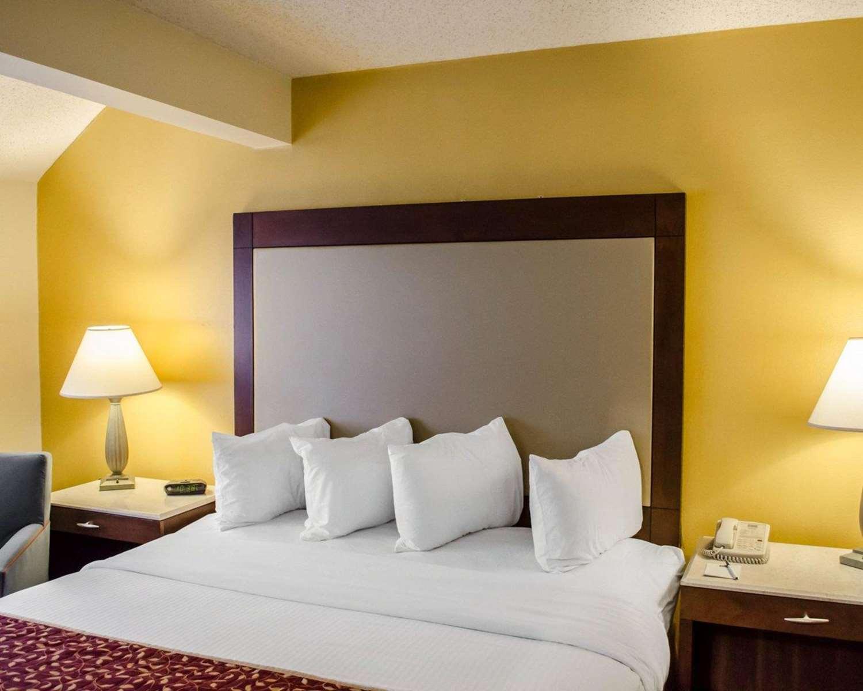 Room - MainStay Suites Pensacola