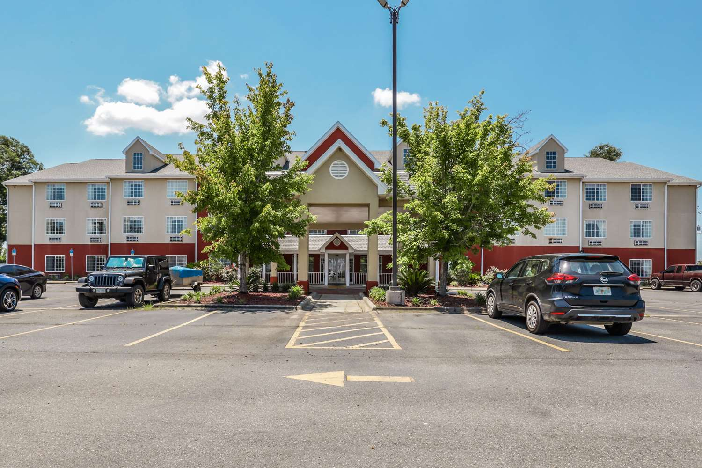 Econo Lodge Inn & Suites Marianna