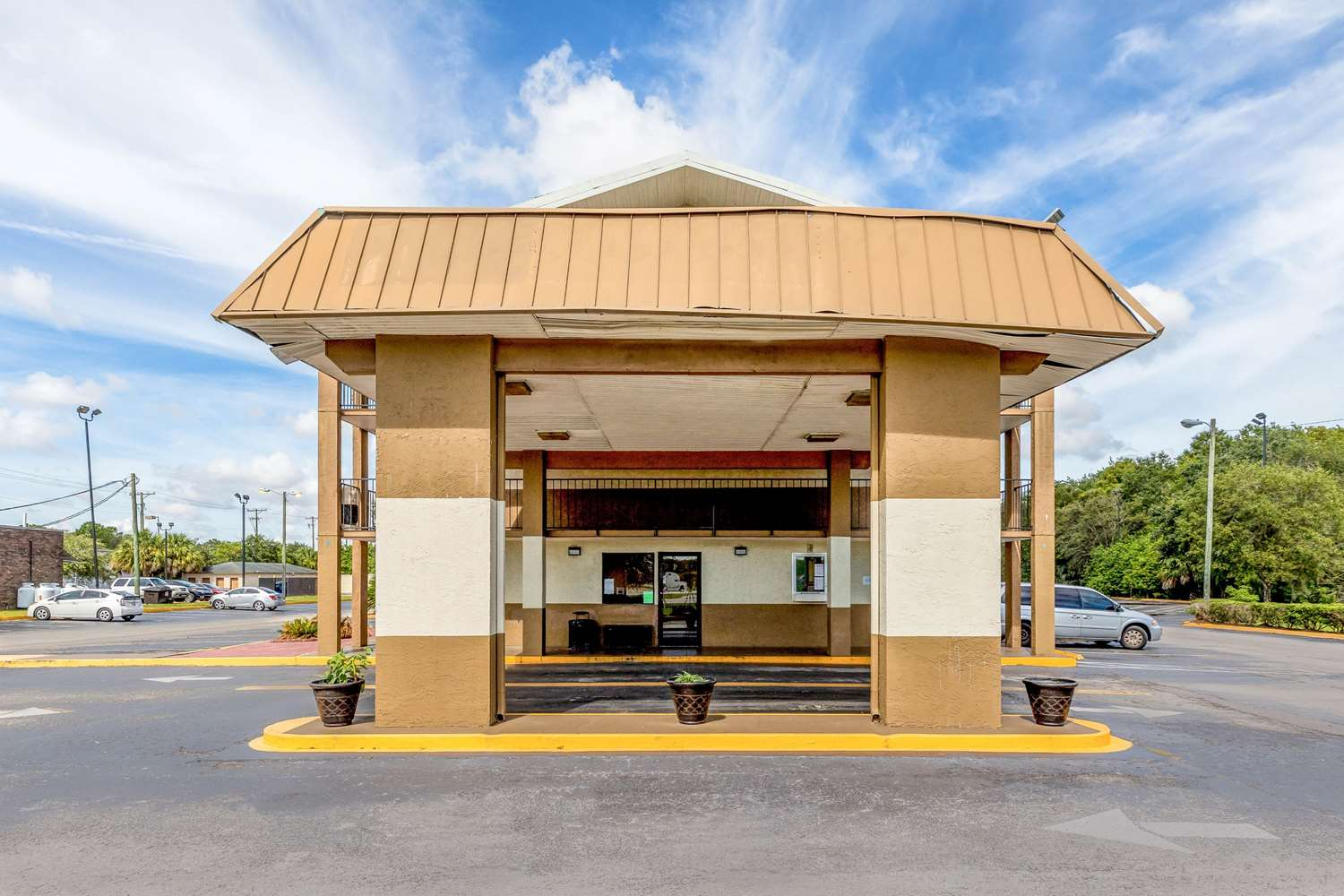Rodeway Inn State Fairgrounds Tampa, FL - See Discounts