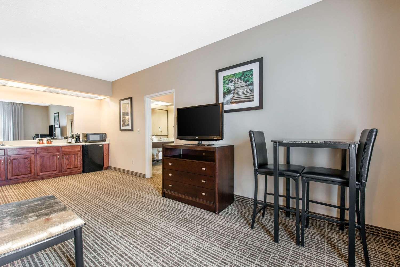 Suite - Quality Inn Palm Bay