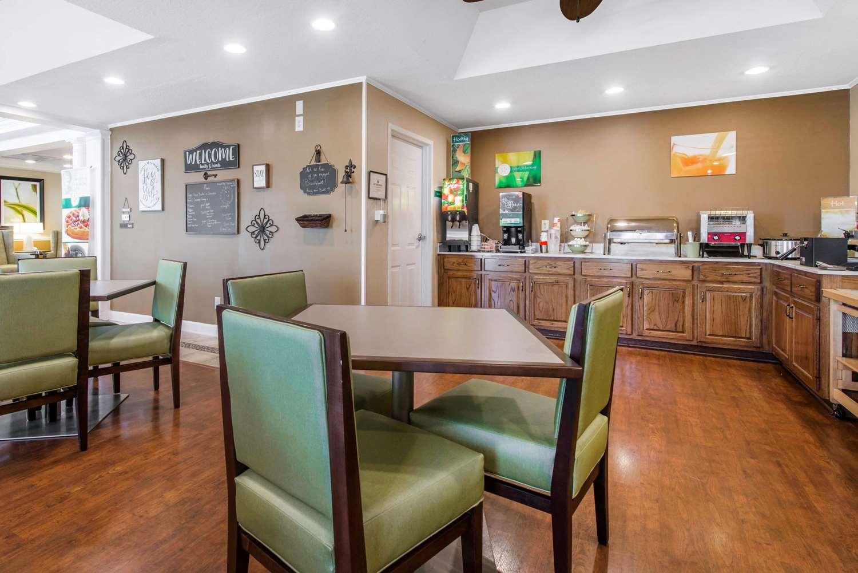 Restaurant - Quality Inn Palm Bay
