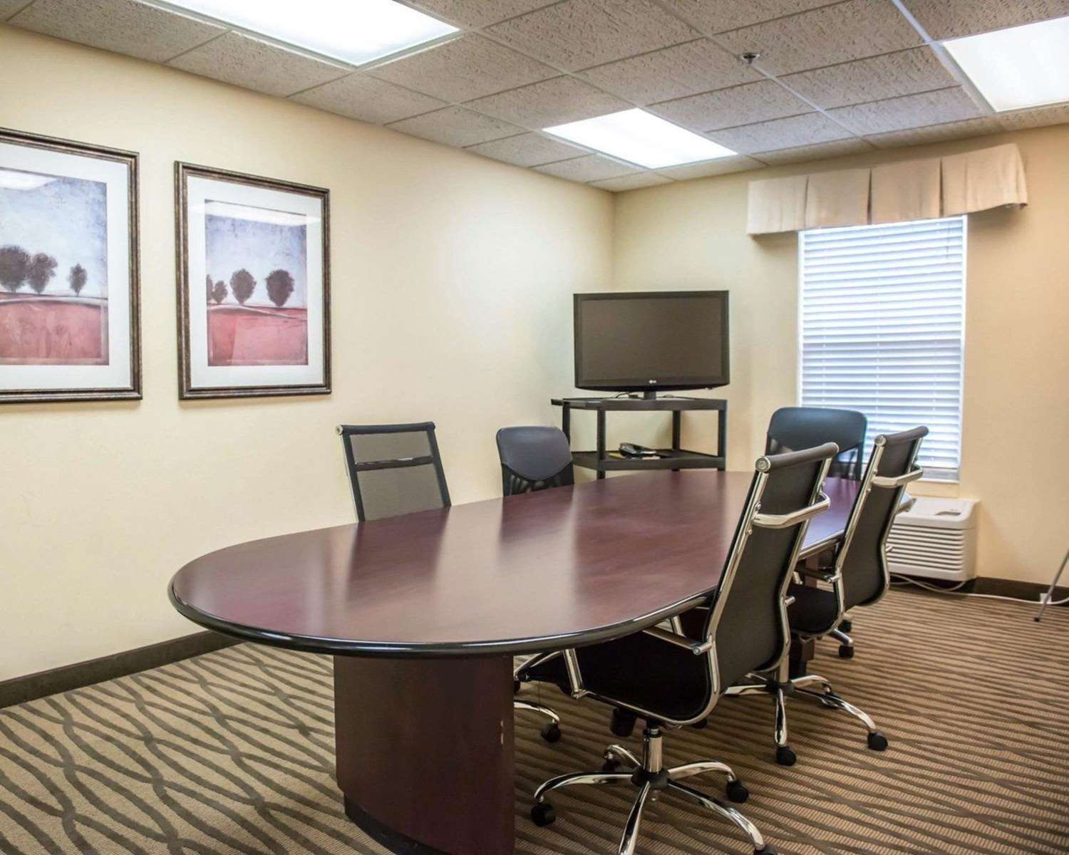 Meeting Facilities - Quality Inn Lake City